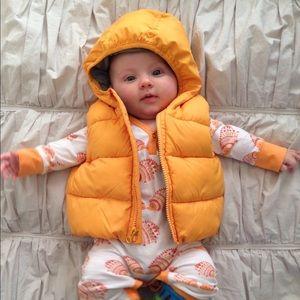 Baby Gap 0-6moth puffer vest